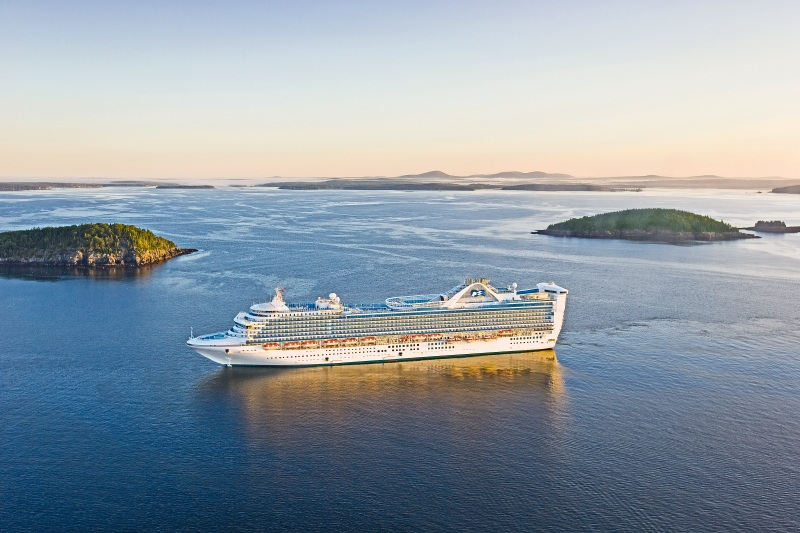 caribbean princess to sail through the panama canal